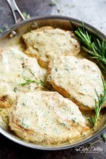 Creamy Herb Chicken with Green Beans